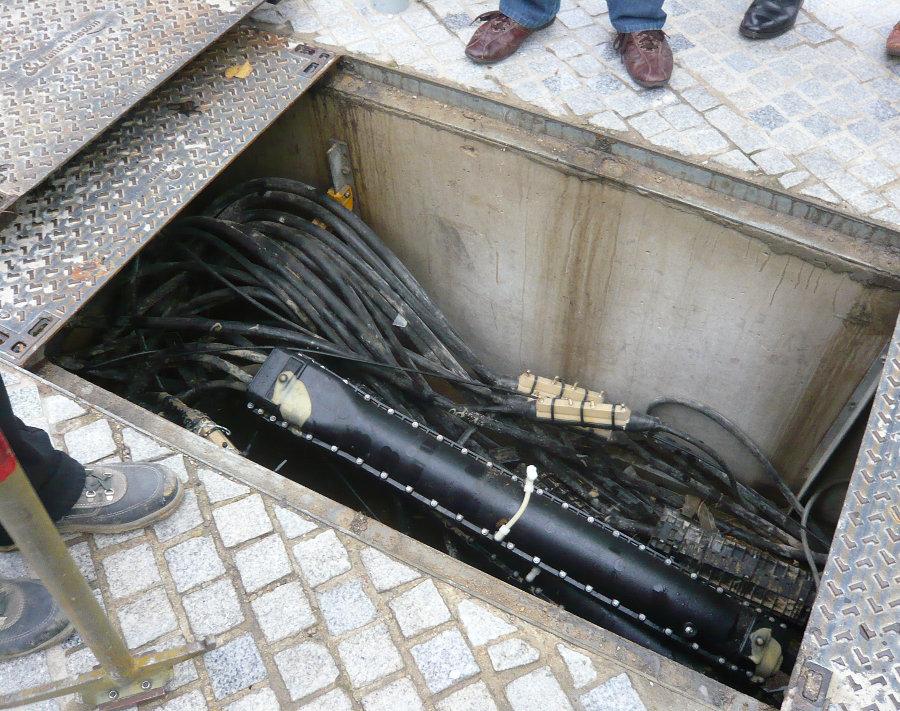 Remplacement du cuivre par de la fibre a manhattan apr s l - Chambre de tirage fibre optique ...