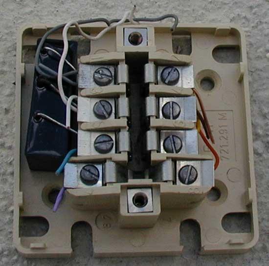 Branchement de la n b volution configuration sfr tv - Branchement prise telephone adsl 2 fils ...