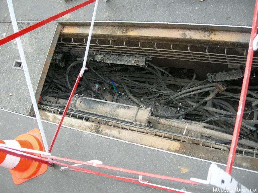 Question sur l 39 installation sfr fibre dans un immeuble - Chambre de tirage fibre optique ...