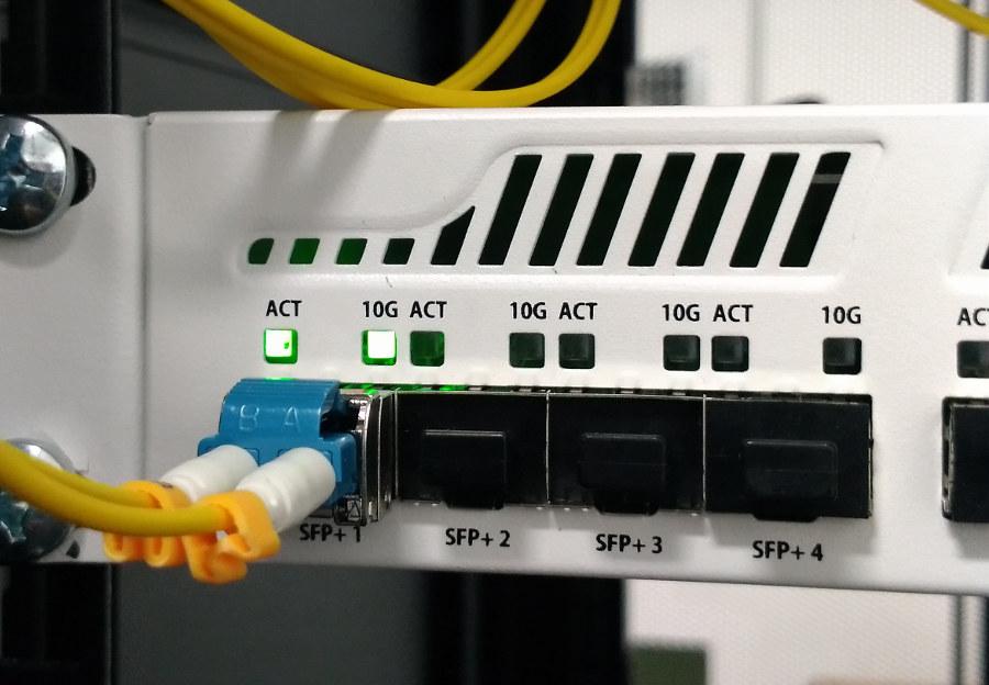 Photos des équipements Agateia dans le NRO N°1 de FibreAgglo